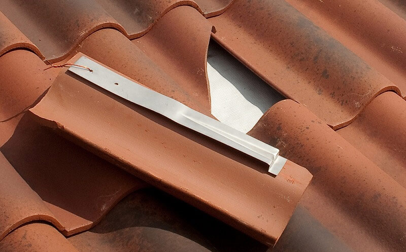 4 Signs Your House Needs A New Roof